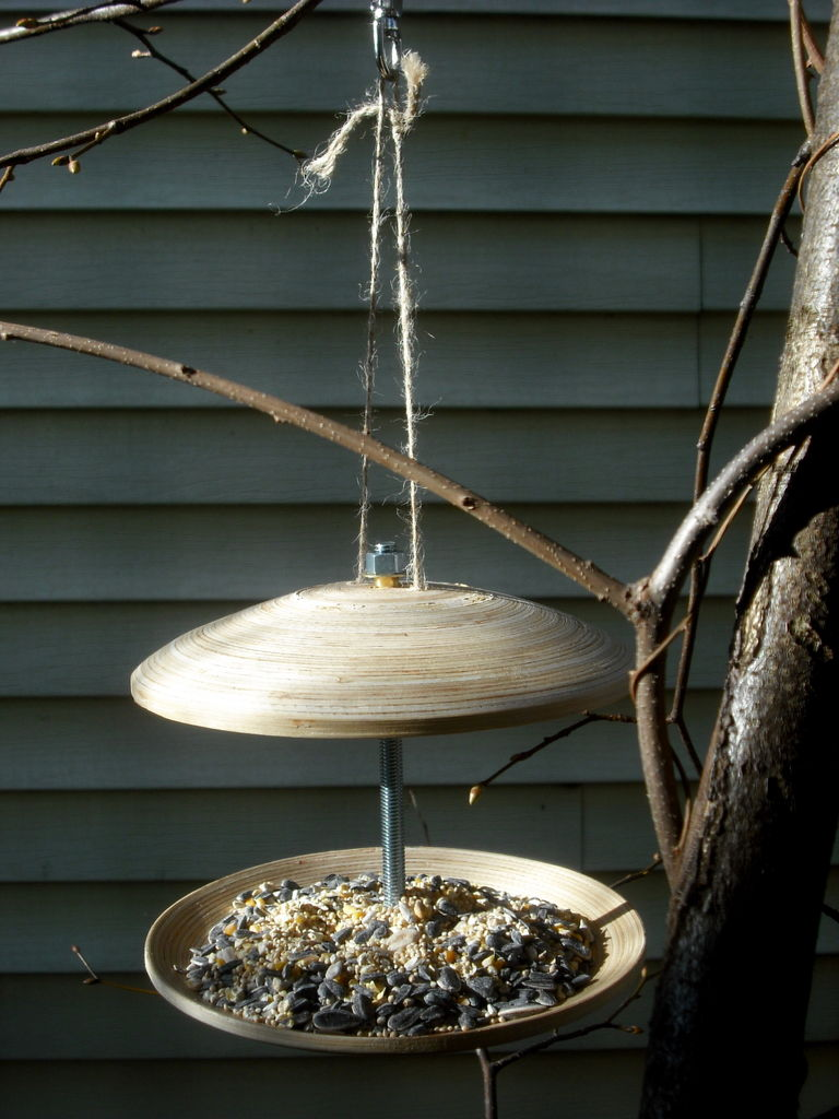 How to Make an Ikea Plate Bird Feeder