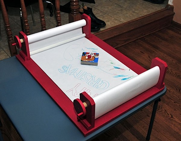 Doodle Desk is exquisite drawing surface for toddler