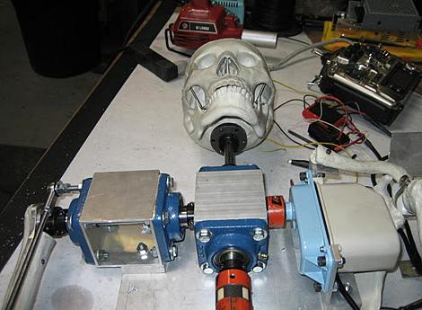 Grant Imahara builds a skeleton bot