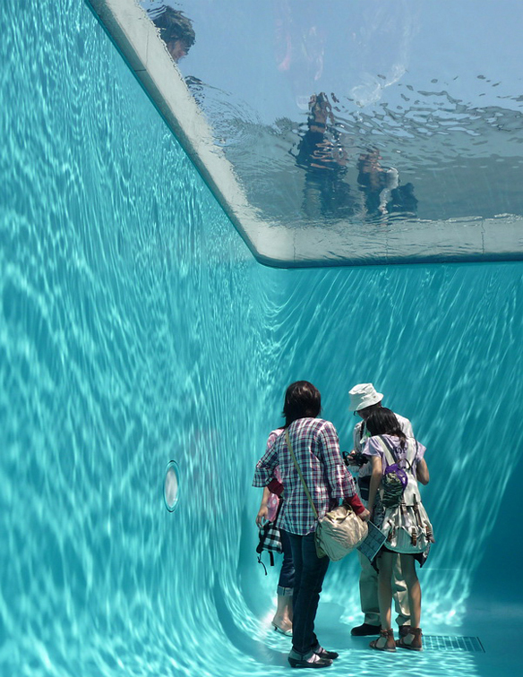 Simulated swimming pool with room inside