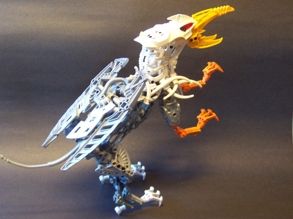 Bionicle griffin makes fantastic use of biopunk parts