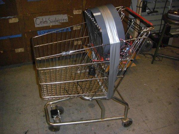 Fan-powered shopping cart buzzes around MIT