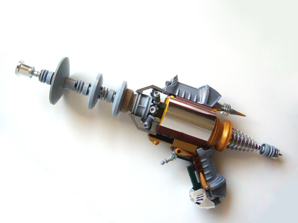 Tesla's Pidgeon: A Lego ray gun