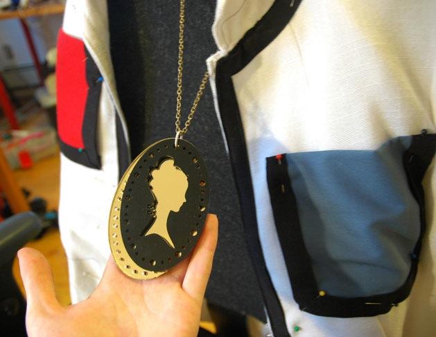 DIY La Roux laser cameo necklace