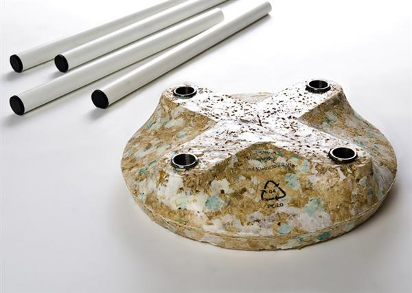 Interesting sawdust + plastic bags materials hack
