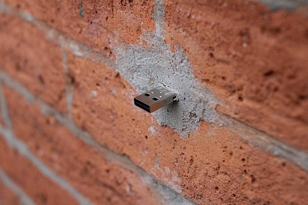 USB Dead Drops (video)