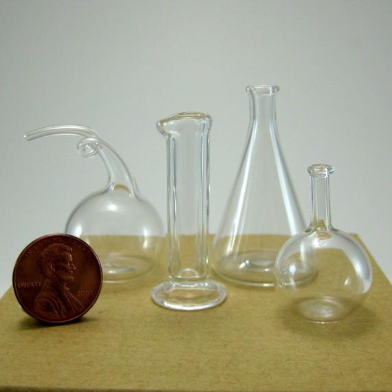Lilliputian chemistry glassware