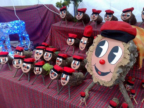 Caga Tió — Catalonian holiday log tradition