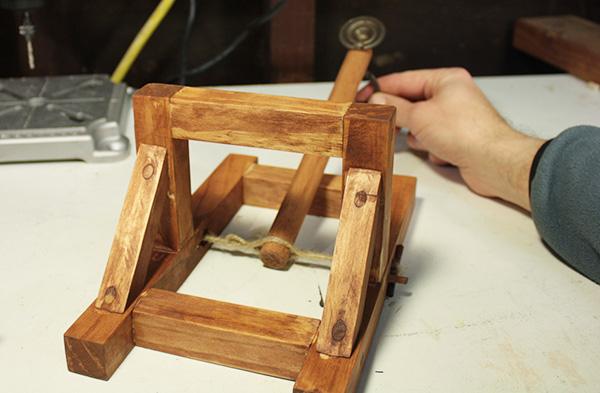 Make a desktop catapult