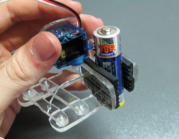 Simple homebrew robot gripper