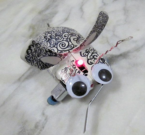 Super Awesome Sylvia's Mousey the Junkbot