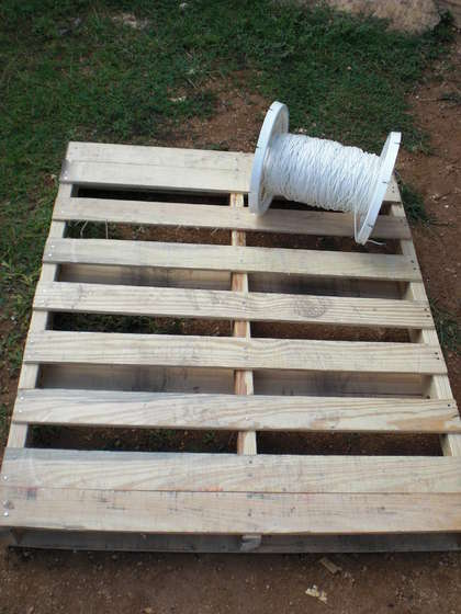 Paracord And Pallet Wood Hanging Chair