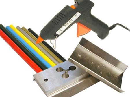 Using a Glue Gun To Teach Injection Molding
