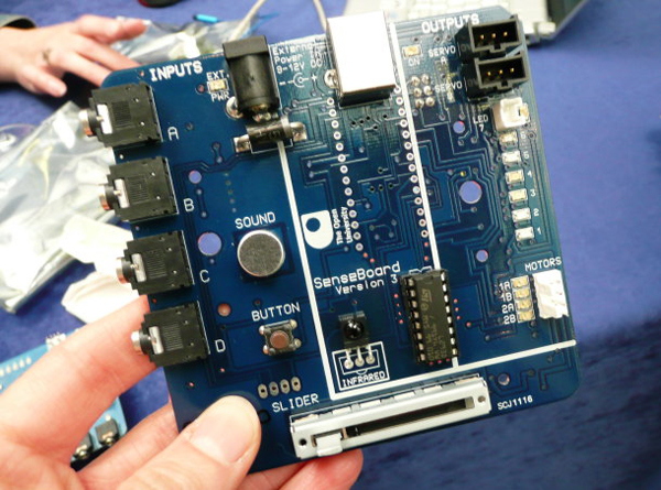 Hands-on Learning with The SenseBoard Ubiquitous Computing Device