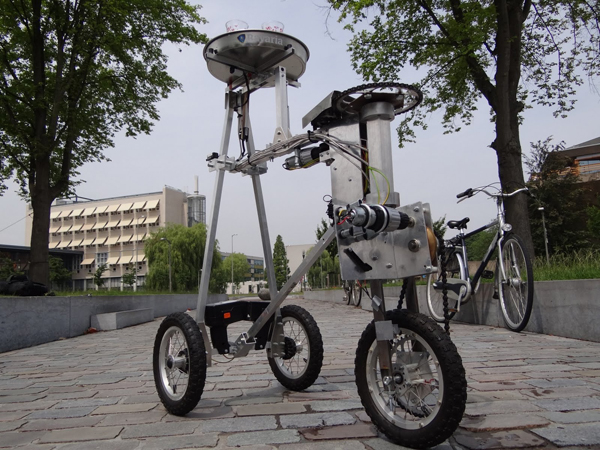 Robot Butler Serves Drinks Autonomously