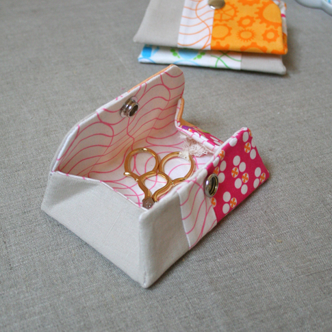 How To: Make a Snappy Coin Purse