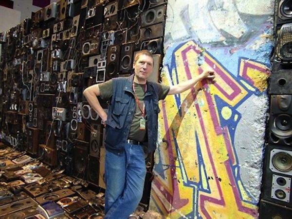 "Benoit Maubrey Takes ""Wall of Sound"" Literally"