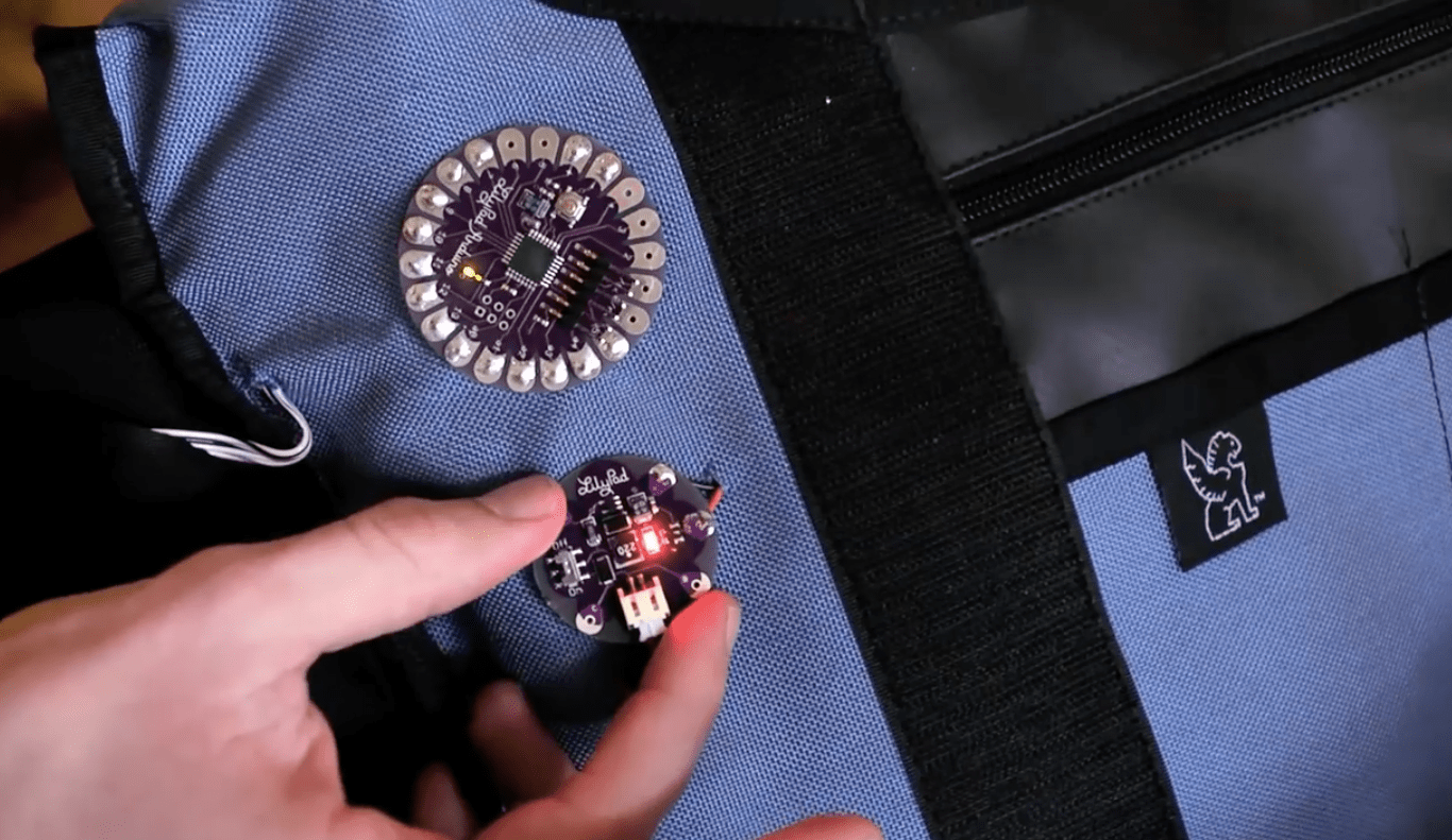 Haptic GPS Points Cyclists in the Right Direction: Mapbag