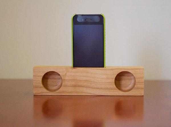 iPhone 4 Passive Acoustic Amplifier Block