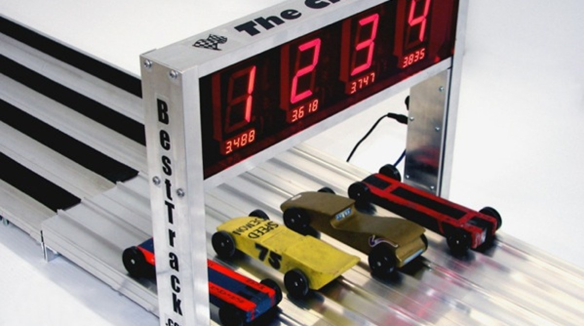 High Tech Pinewood Derby Racetrack Resolves Race Times 000005