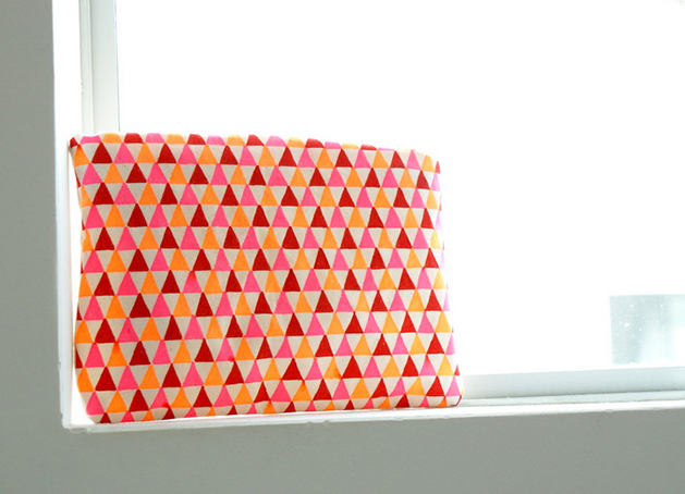 DIY Geometric Print Fabric (and a Pouch That Was Made From It)
