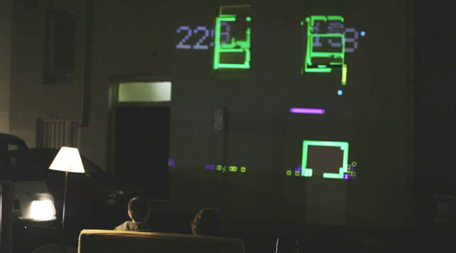 Snake the Planet: Gaming on Building Facades