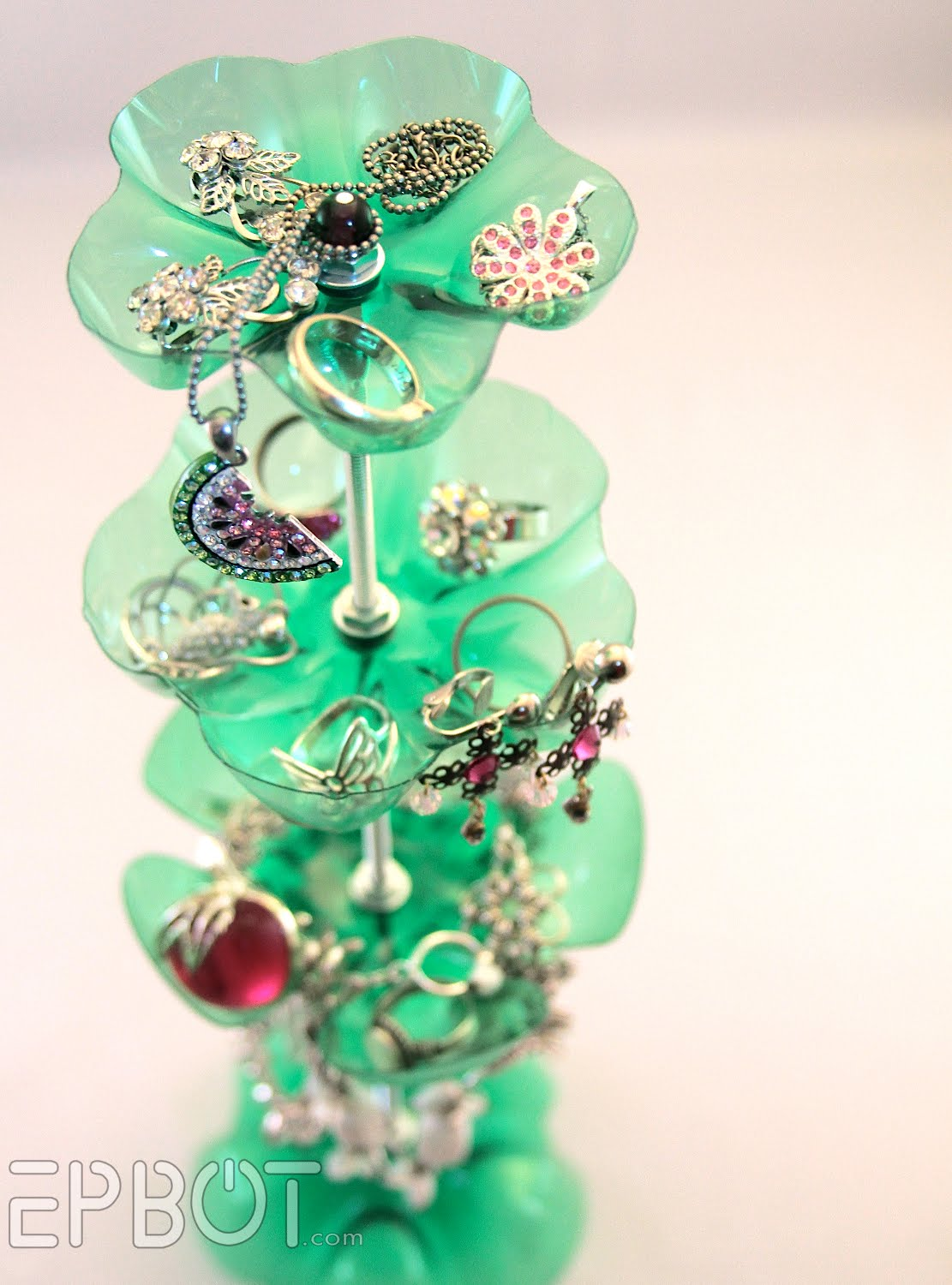 How-To: Two-Liter Jewelry Stand