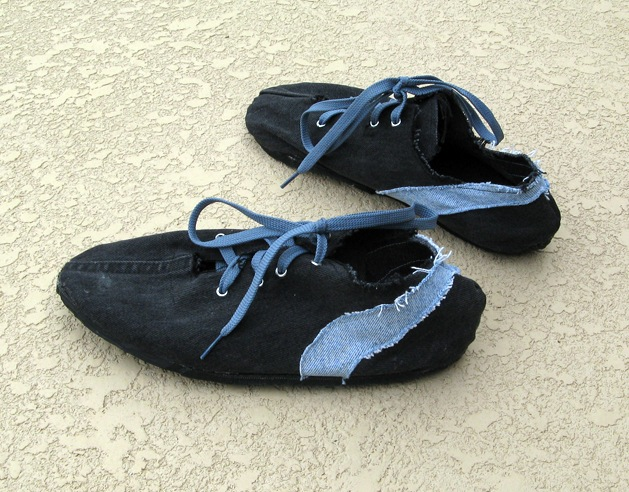Flashback: Retro-Style Running Shoes from Old Tires