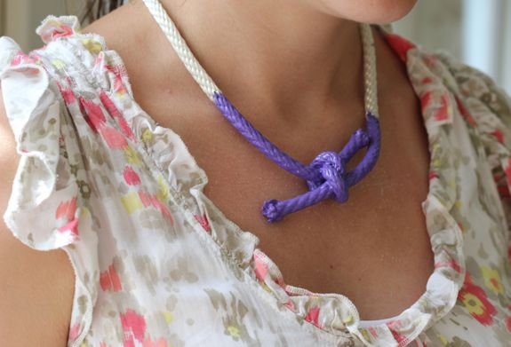 How-To: Painted Nautical Rope Necklace