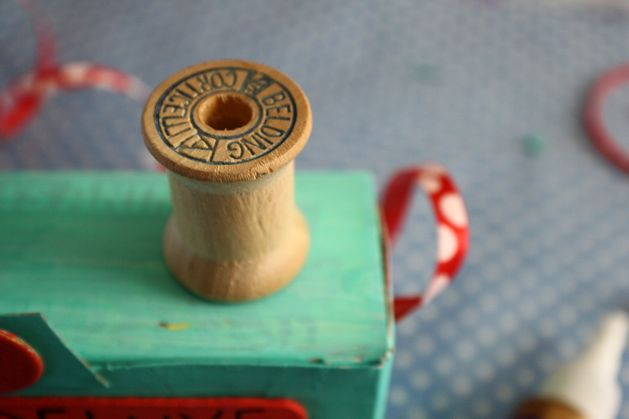 Flashback: Build a Toy Camera from Recycled Materials