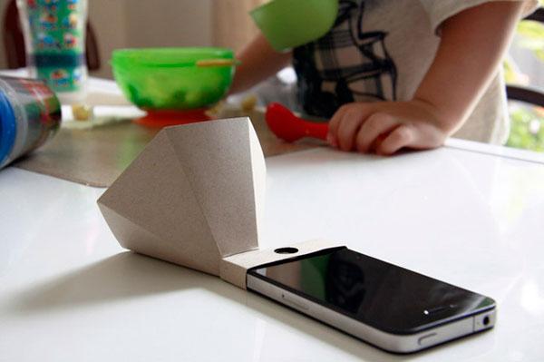 iPhone Papercraft Passive Amplifier