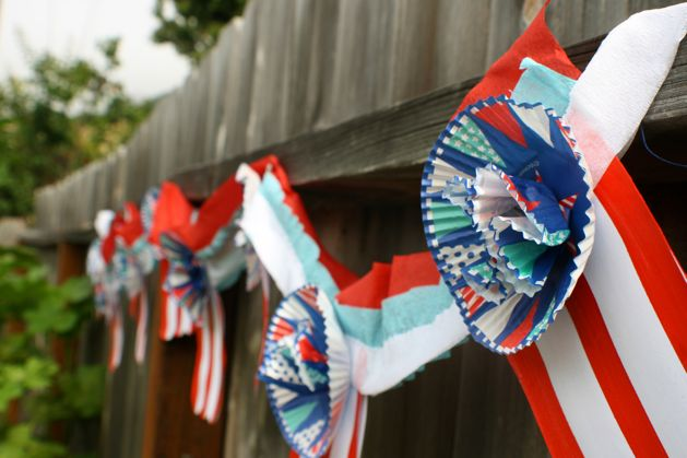 Flashback: Cheery Fourth of July Garland