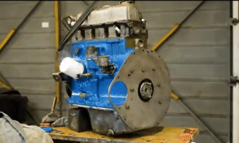 Stop-Motion Triumph Spitfire Engine Rebuild