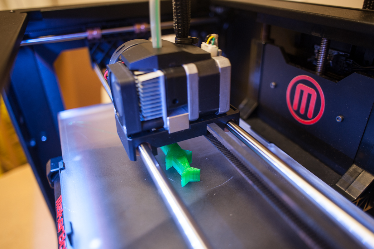 Mini Review of the Replicator 2