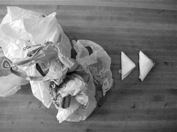 How-To: Triangle Folded Plastic Bags