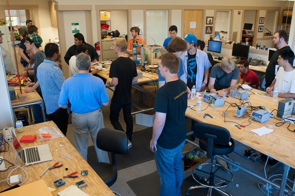 Santa Rosa Engineering Class Visits MAKE