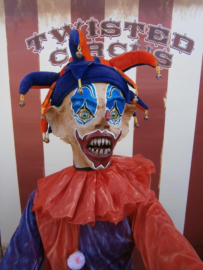 Circus Freak Puppeteer Mannequin Mod