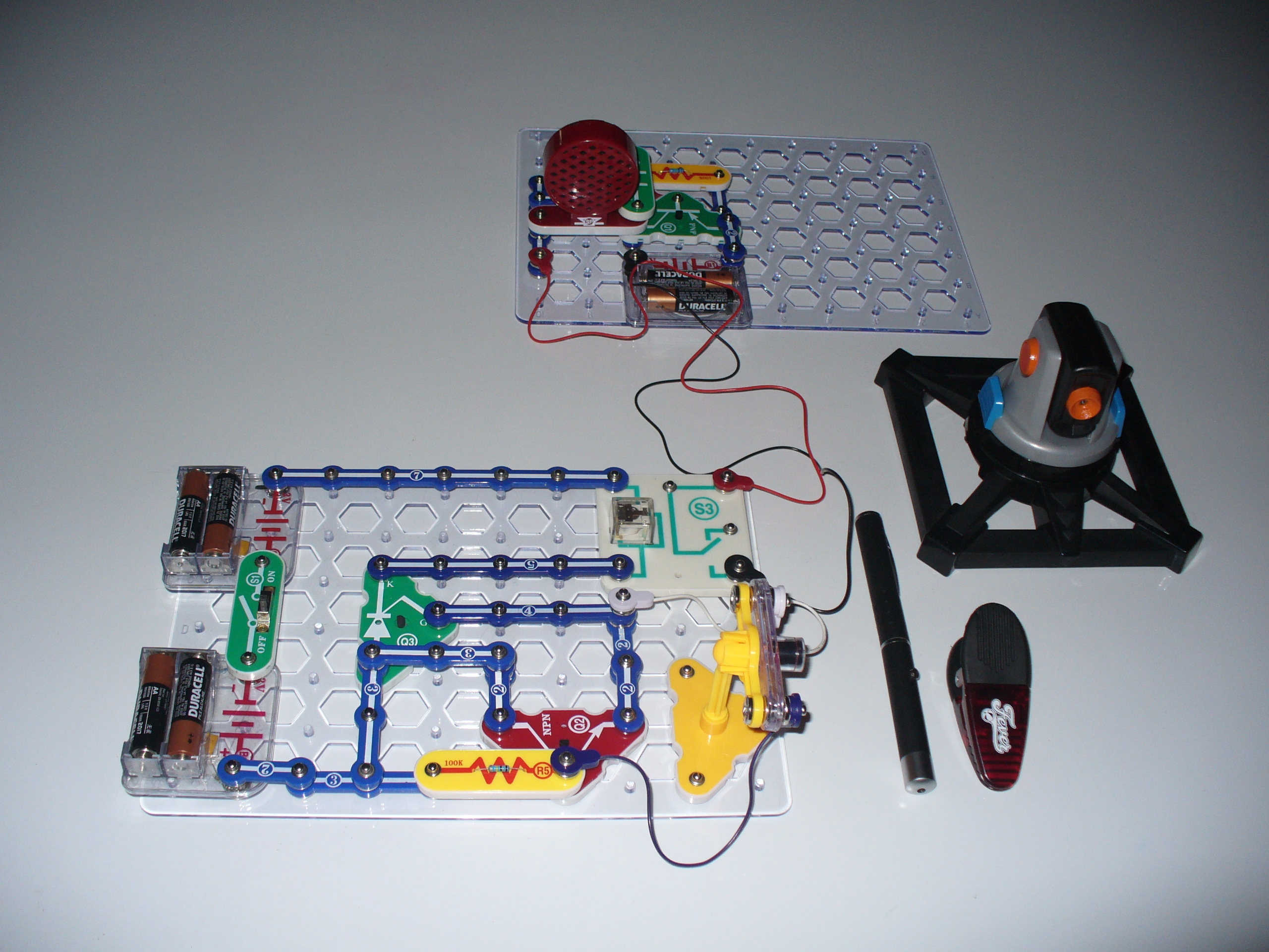 Laser Tripwire And Alarm Using Snap Circuits Make Burglar System An Scr Based Circuit Diagram