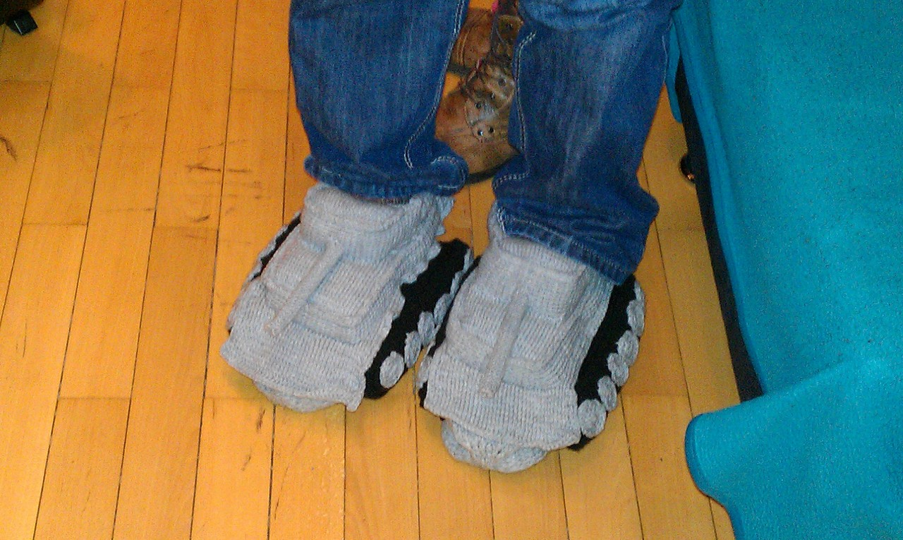 Crocheted Tank Slippers