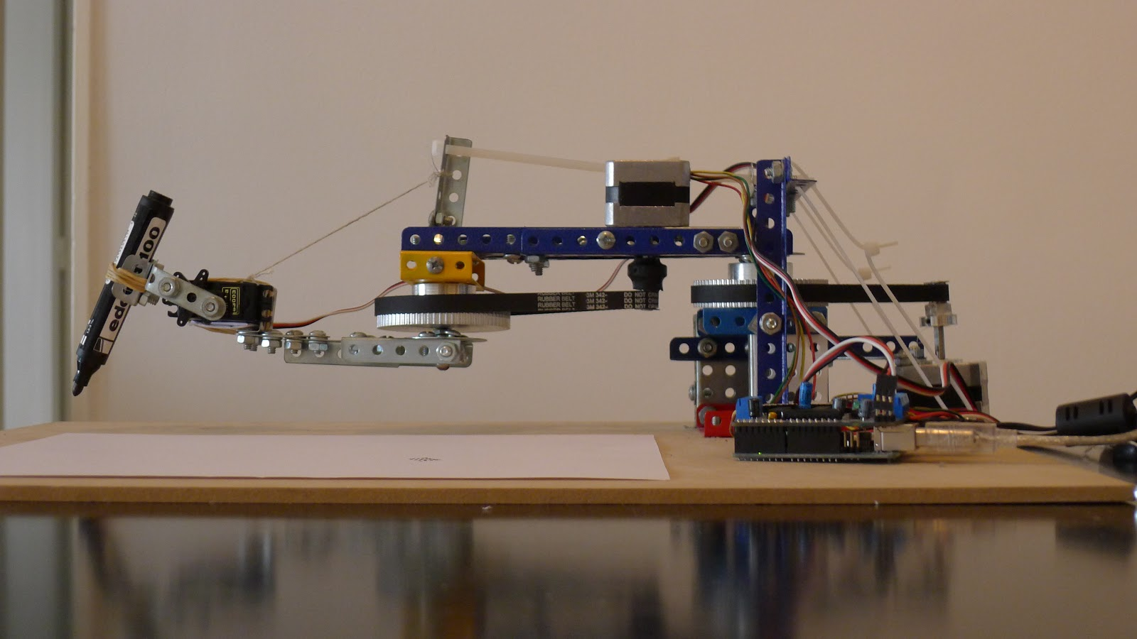 Arduino-Controlled Drawing Robot