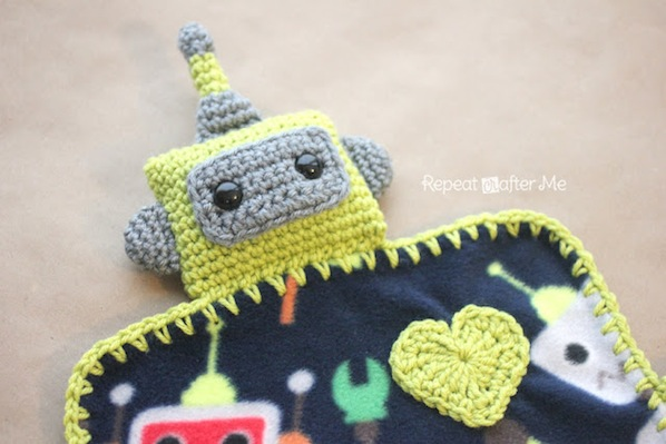 How-To: Crocheted Robot Blanket