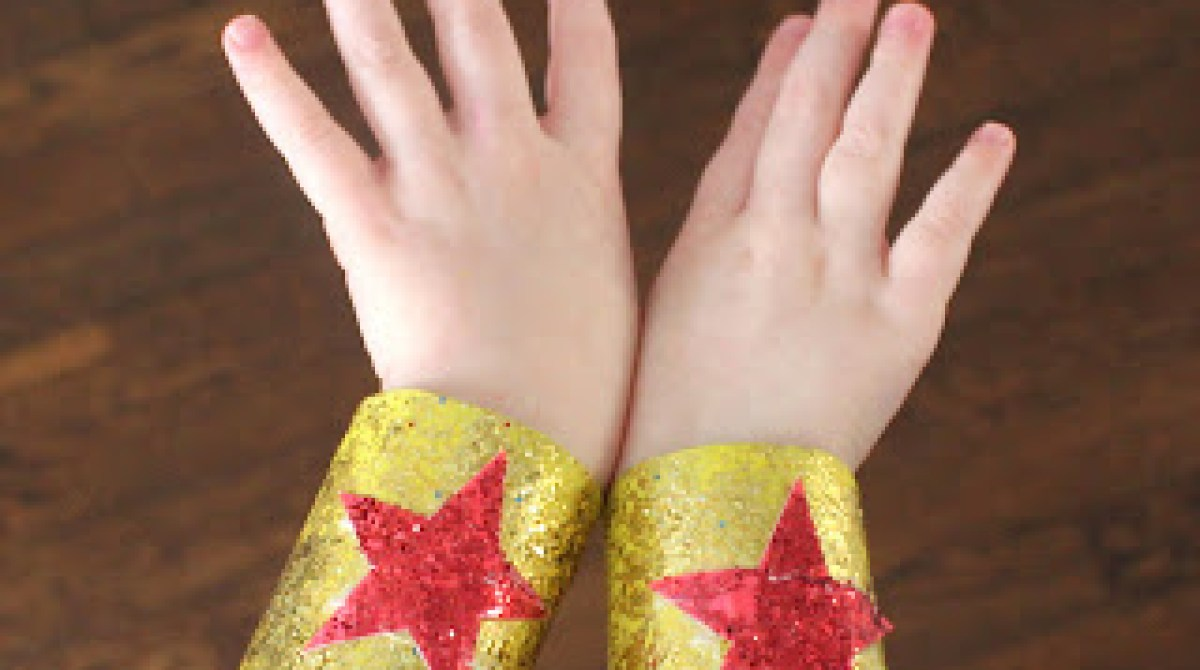 Superhero Cuffs from Toilet Paper Rolls