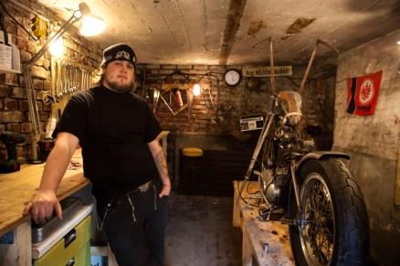 Enrico de Haas in Wannabe-Choppers' old workshop in Düsseldorf.