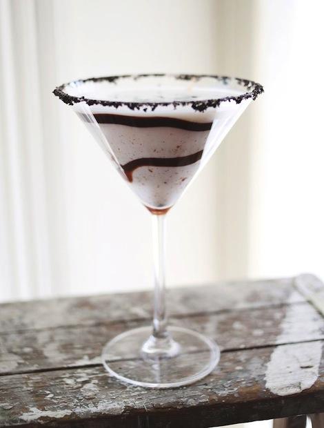Recipe: Cookies & Cream Martini