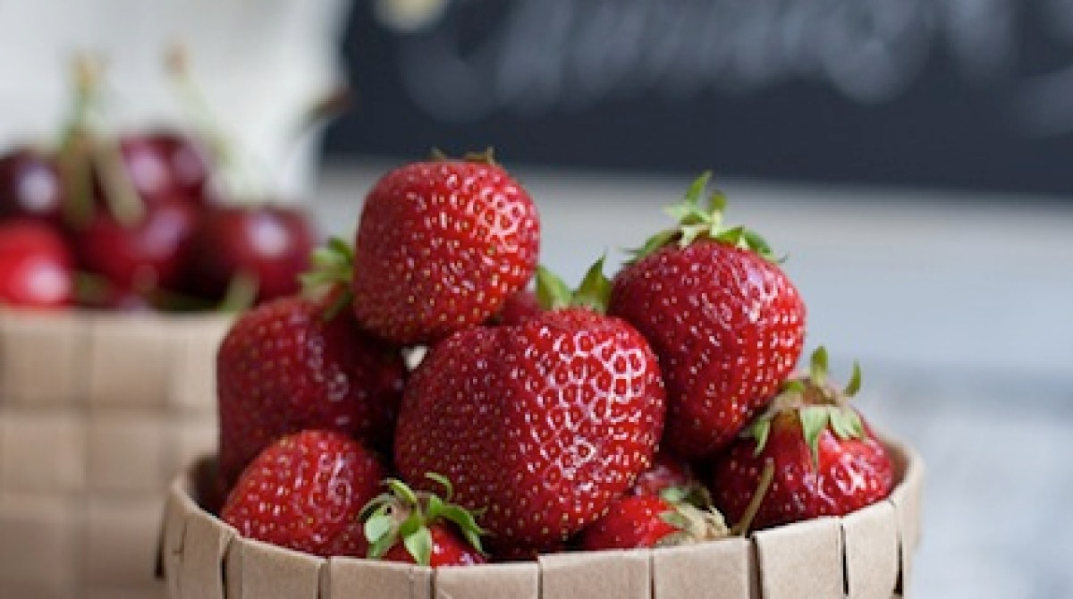 How-To: Upcycled Grocery Bag Fruit Basket
