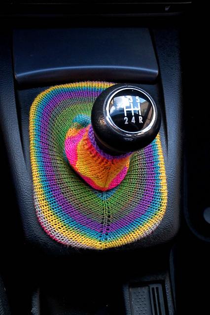 Knitted VW Passat Gearbag