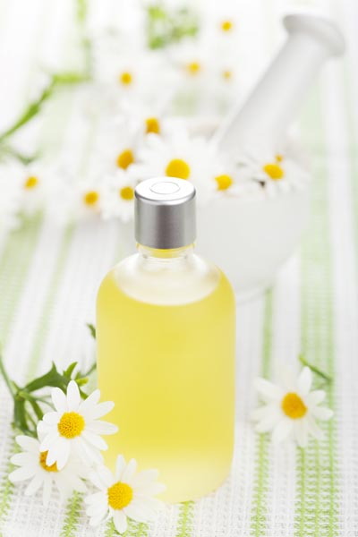 How-To: DIY Herbal Shampoo