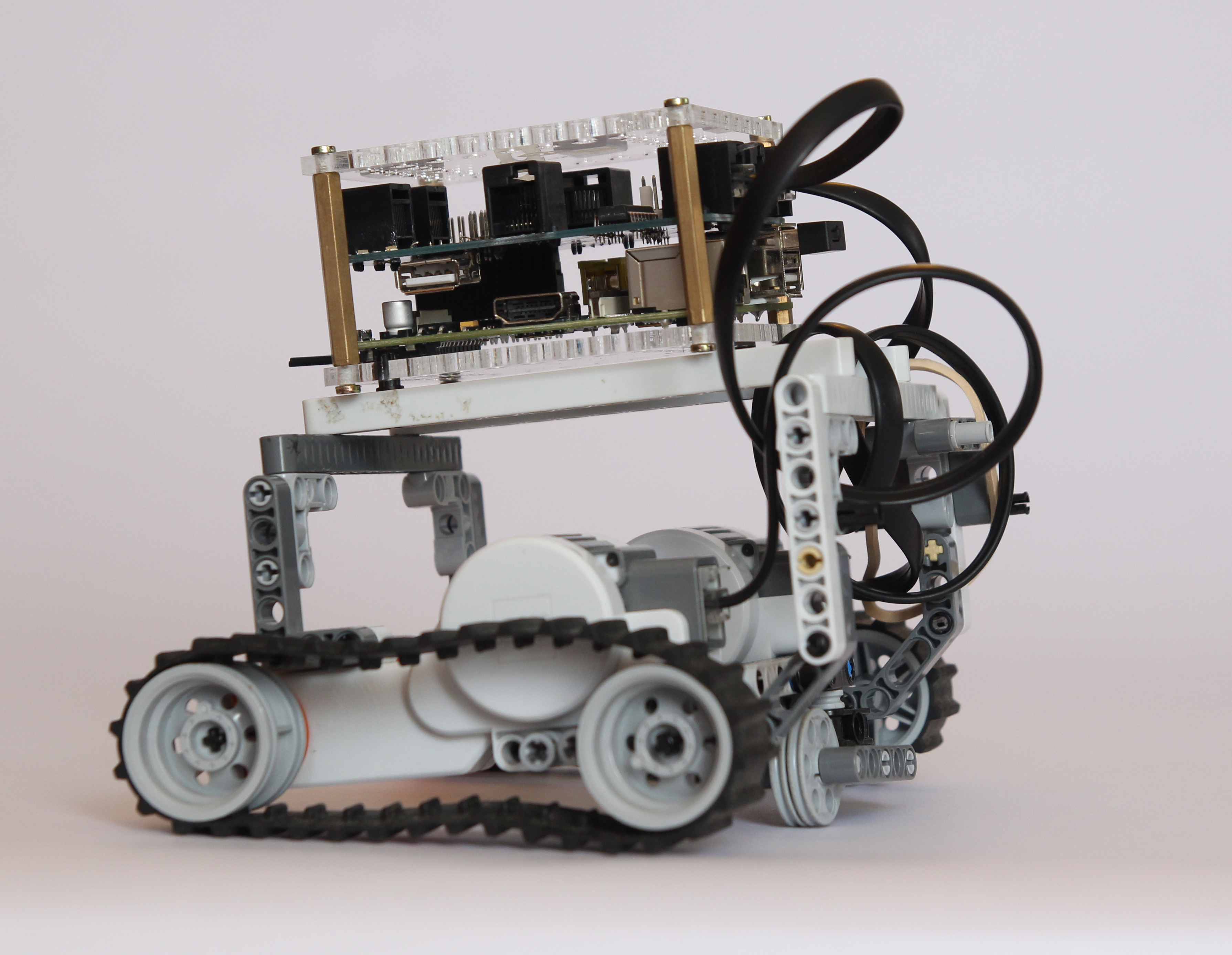 BrickPi Delivers the Mindstorms Experience to Raspberry Pi