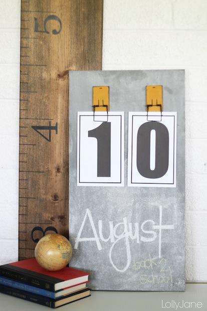 How-To: Chalkboard Calendar