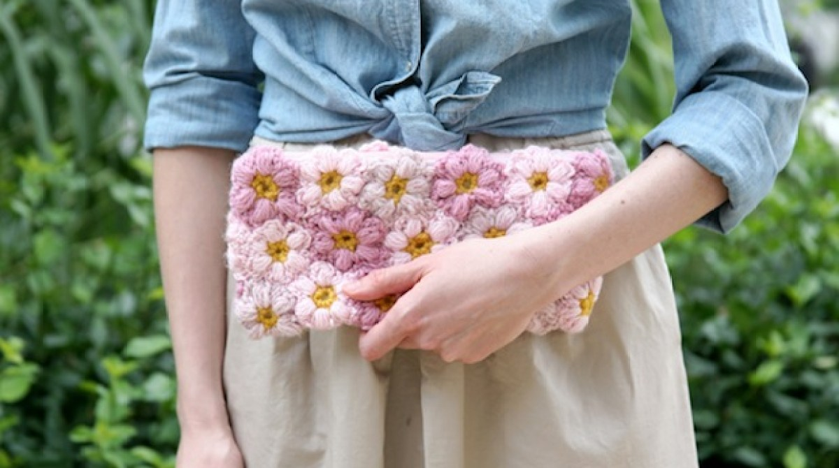 Crochet Inspiration: Mollie Flower Clutch